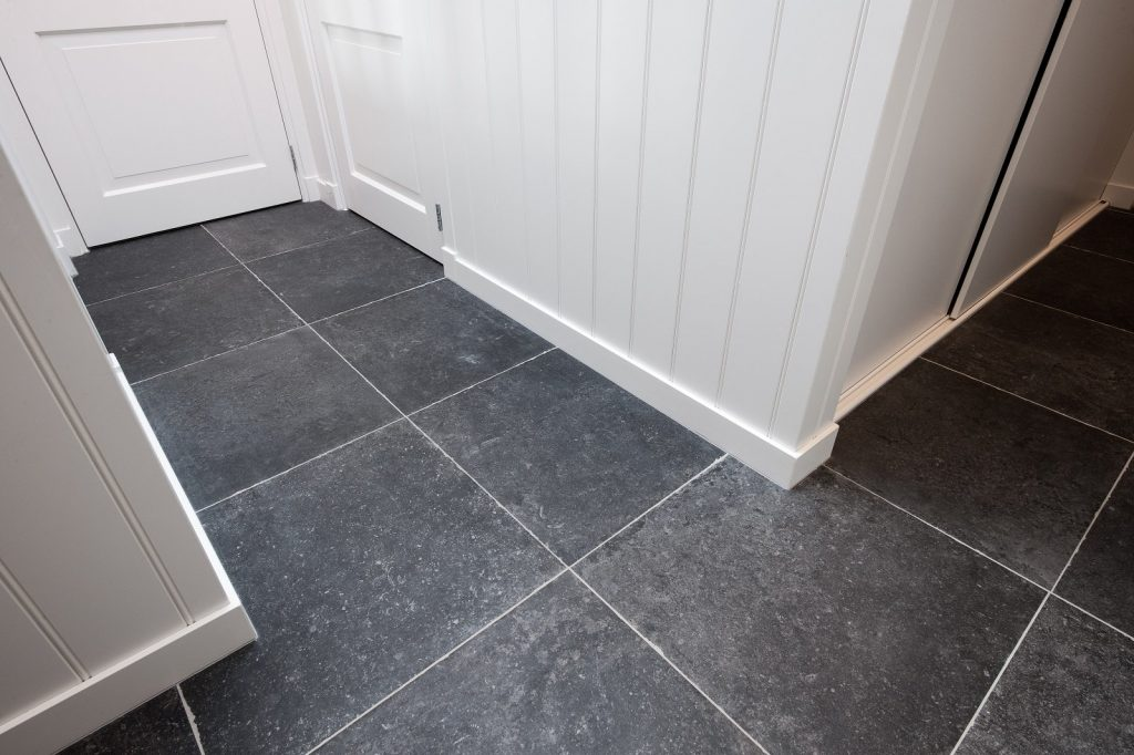 devices for tiling